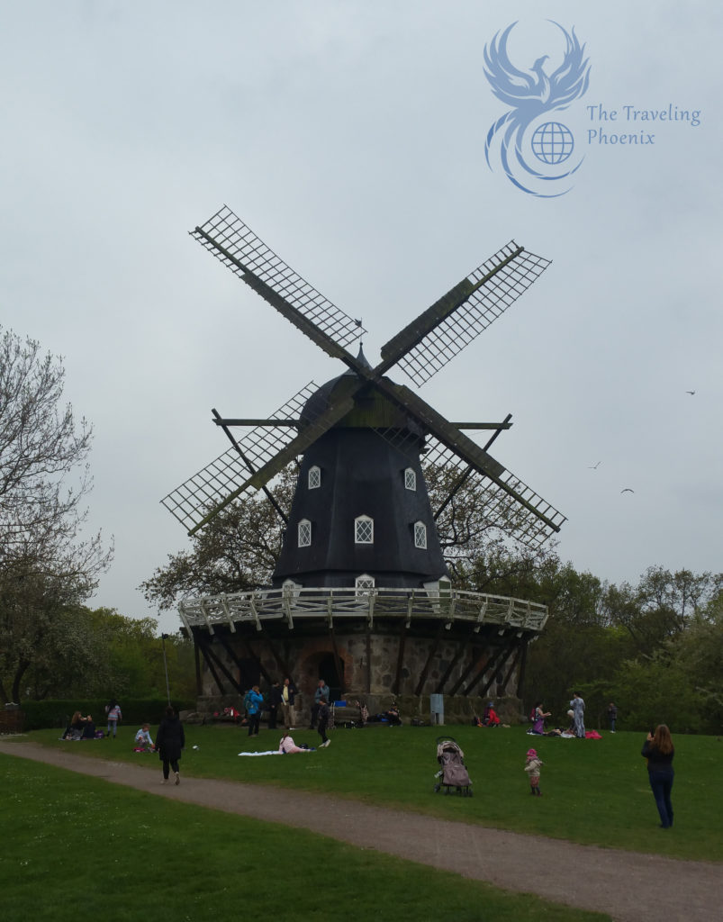 How cute is this windmill?